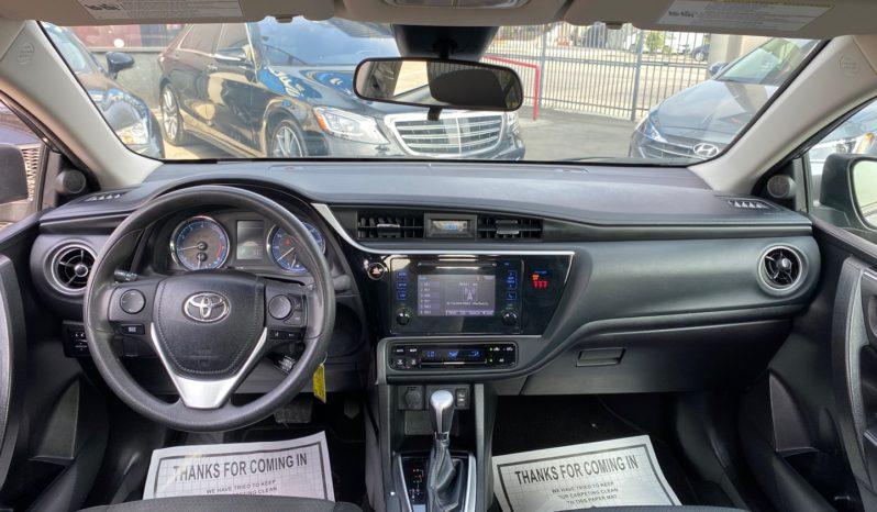 2019 Toyota Corolla LE 4D Sedan full